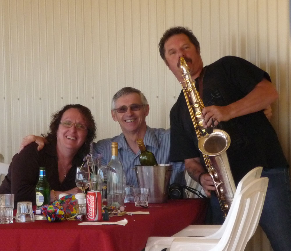 Graeme Lawrence performs at Angas Plains Wines Cellar Door