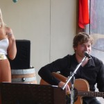 Ash & Sarah performing at Angas Plains Wines